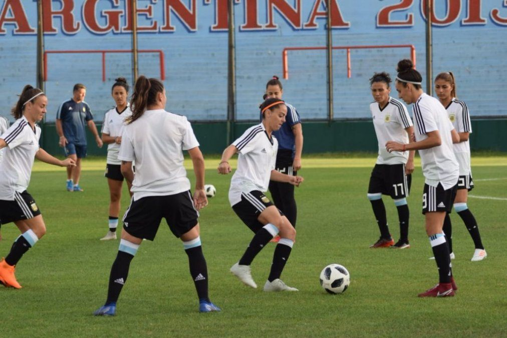 Es la hora de alentarlas: Argentina va por el Mundial ante Panamá