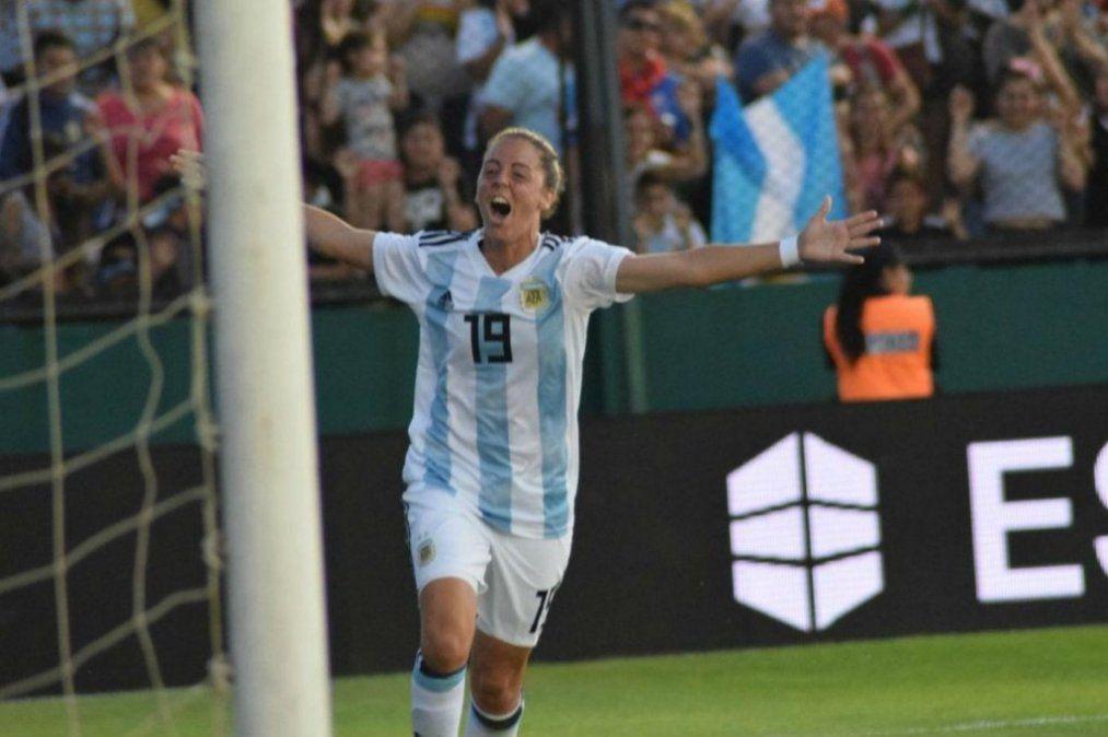 La Selección femenina puso un pie y medio en el Mundial de Francia