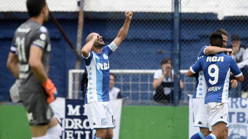 Racing sacó chapa de puntero y goleó a Gimnasia en La Plata