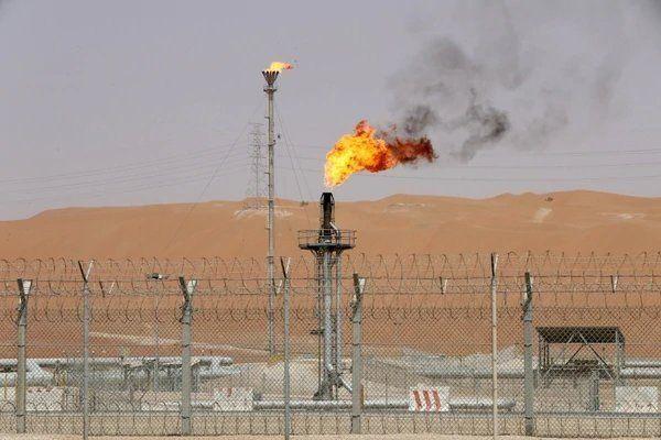 Arabia Saudita pidió reducir la producción mundial de petróleo en 1 millón de barriles por día