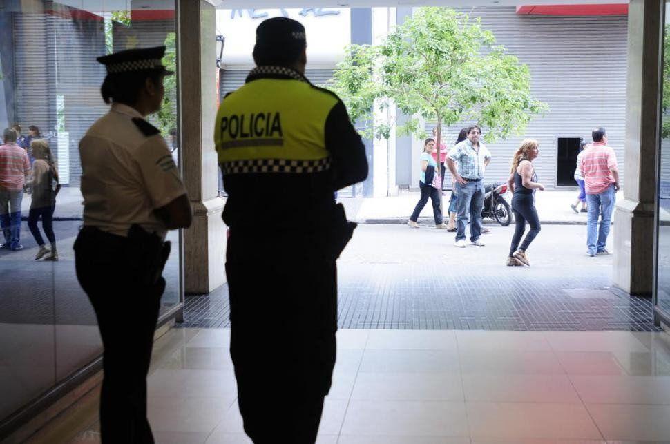 Piden a Maley informes sobre los adicionales de la Policía