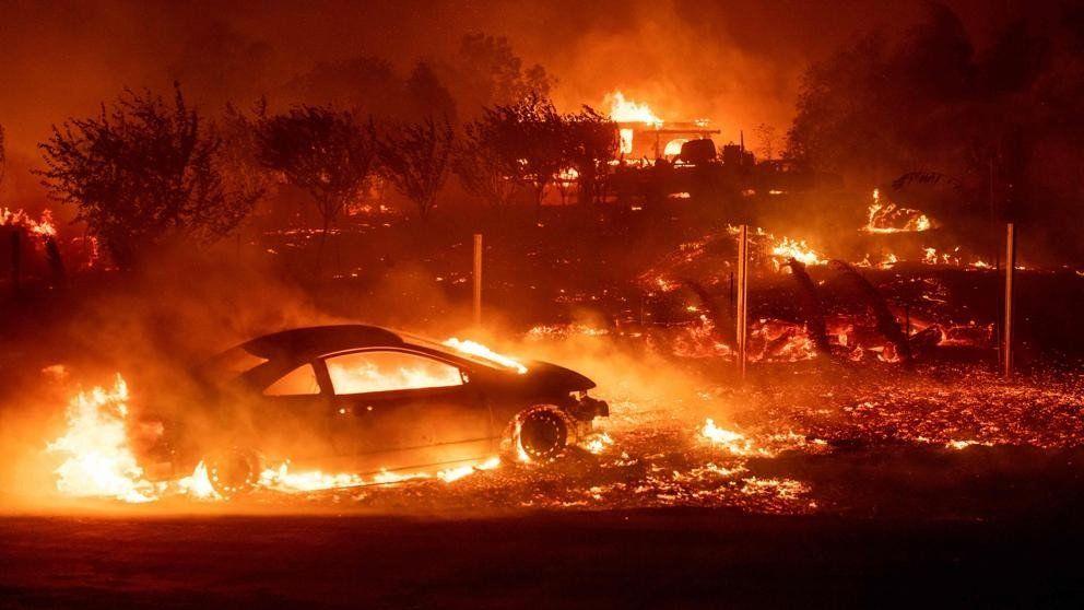 Incendio en California arrasa con la localidad de Paradise y deja 29 muertos.