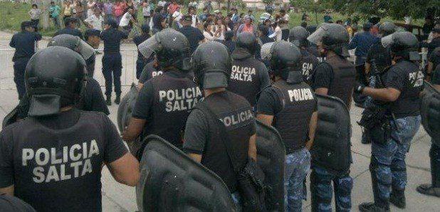 Policías salteños quedaron condenados por golpear con saña a un hombre