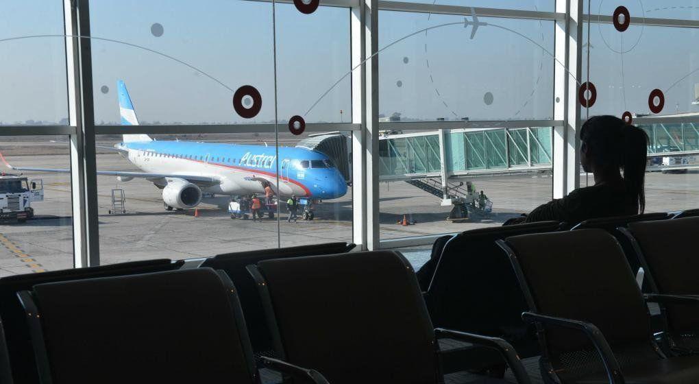 Viernes complicado para viajar: realizarán asambleas en todos los aeropuertos del país