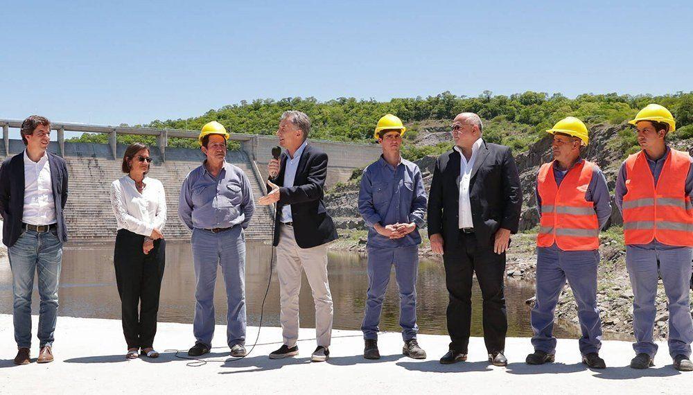 Macri visitó Catamarca y anunció la construcción de un aeropuerto internacional