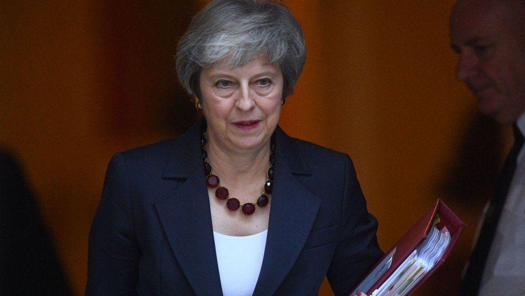 Las renuncias en el gabinete británico podrían frenar el Brexit