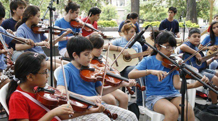 La Orquesta Chivo Valladares festeja sus primeros 10 años