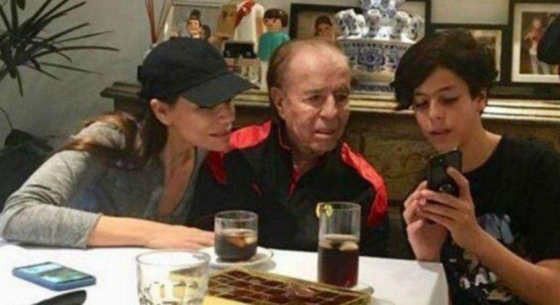 Autorizan a Carlos Menem a salir del país para ver a su hijo