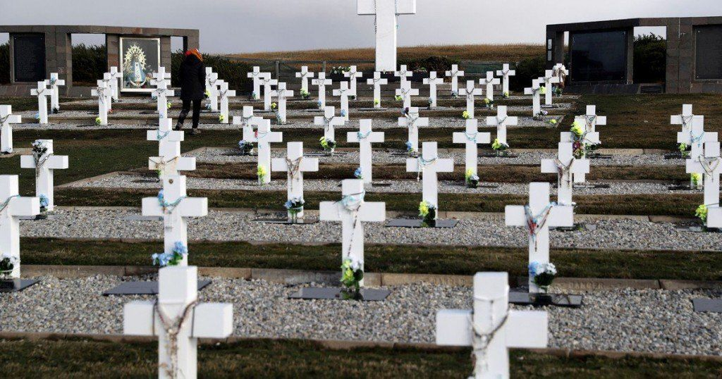 Malvinas: ya son 103 los soldados identificados en el cementerio de Darwin