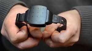 Incorporan pulseras electrónicas en casos de violencia de género