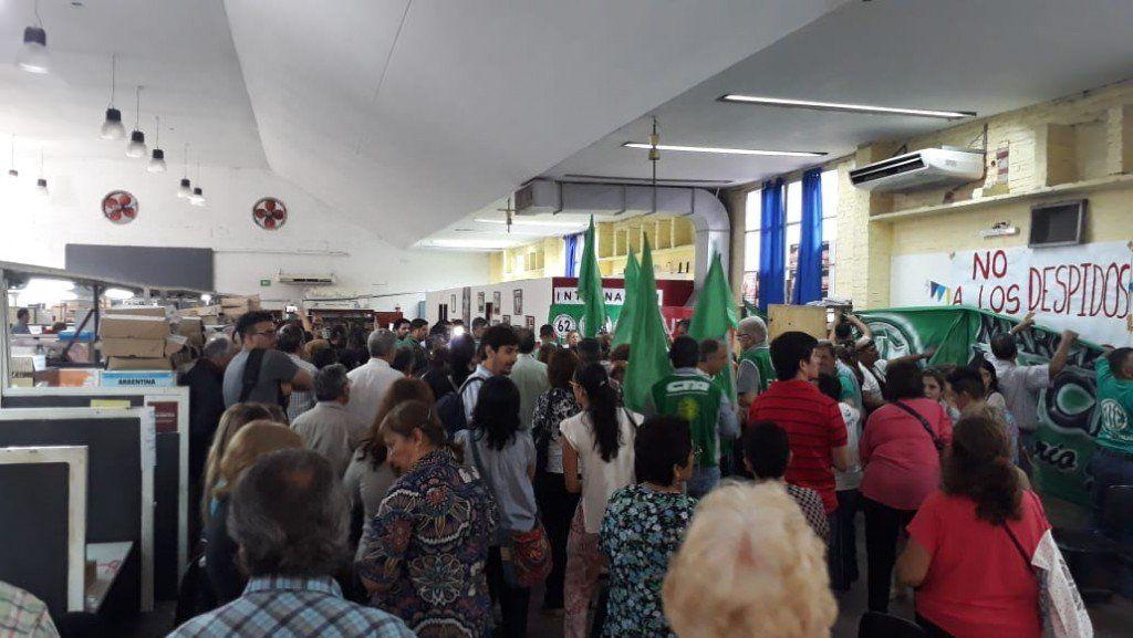 Trabajadores de Pami reclaman la reincorporación de las compañeras despedidas