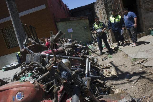 Desbaratan una banda que se dedicaba al robo de motocicletas