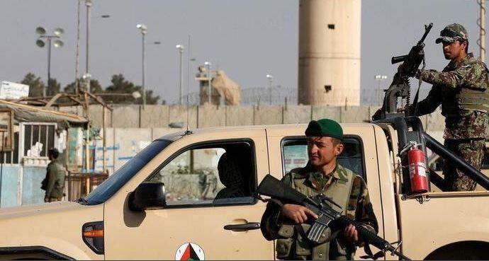 Afganistán: Explosión en una mezquita deja al menos 27 muertos
