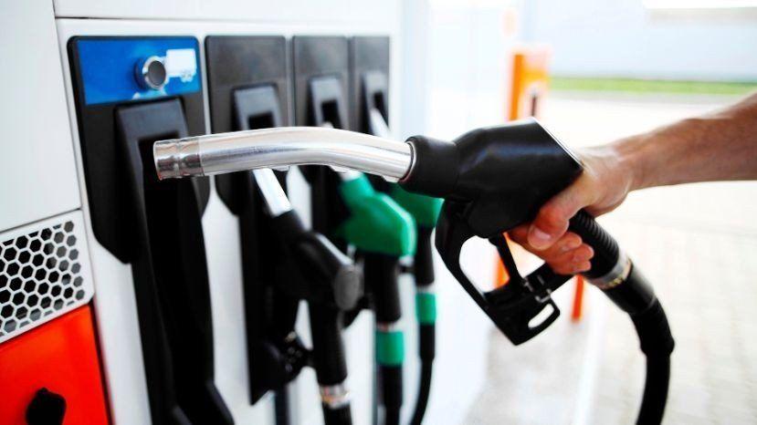 Desde el Gobierno nacional buscan una baja en el precio de las naftas