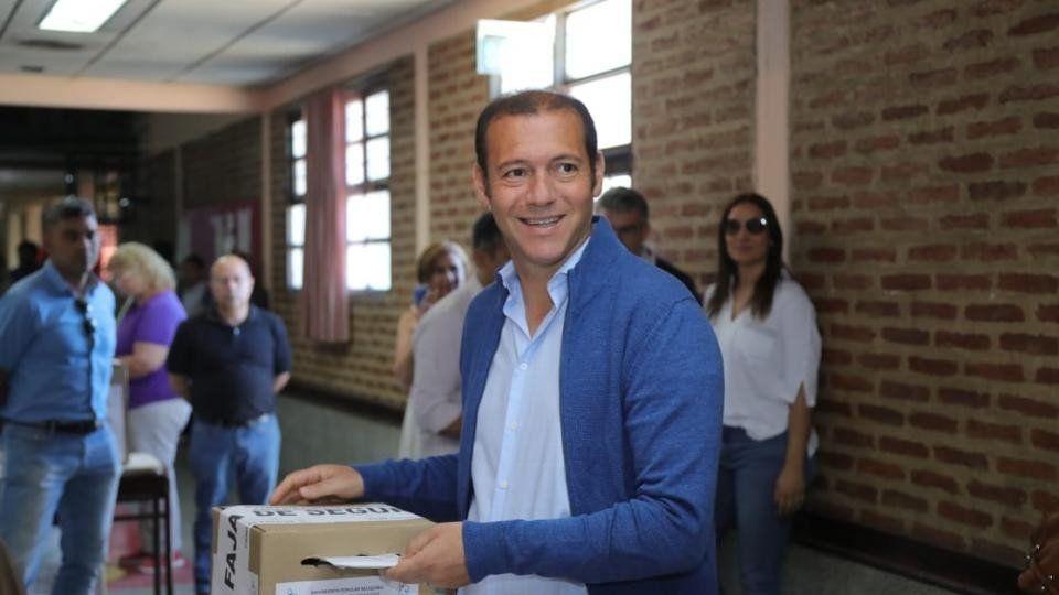 El gobernador de Neuquén ganó la interna del partido y su vice denunció fraude