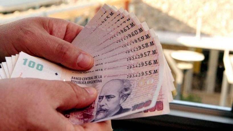 Manzur garantizó el pago de los sueldos de noviembre y diciembre y del aguinaldo antes de fin de año