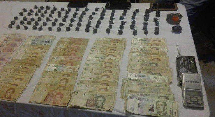 Secuestro de droga y detención de personas en Villa 9 de Julio