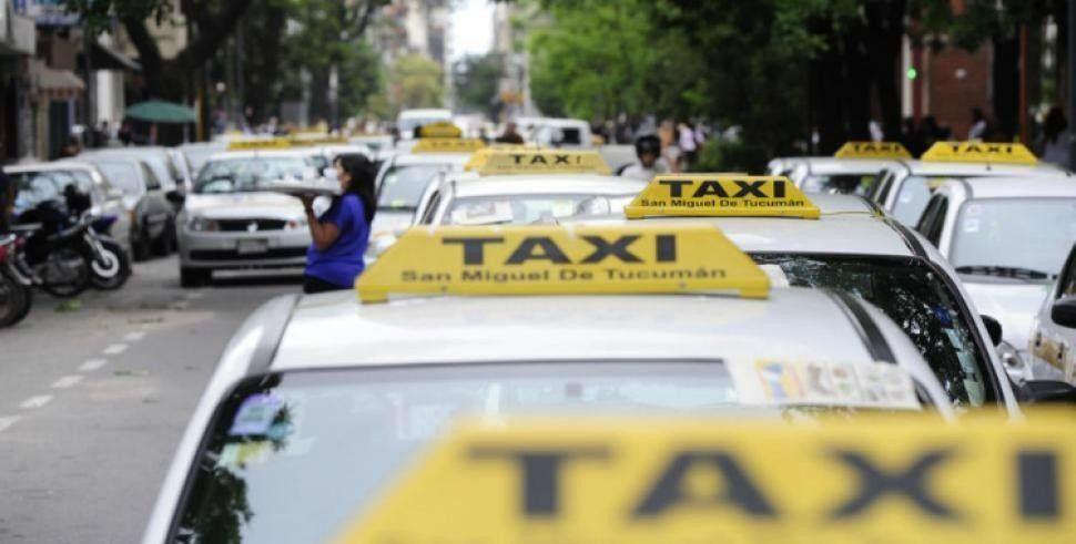 Peones de taxis en contra de la suba de la tarifa