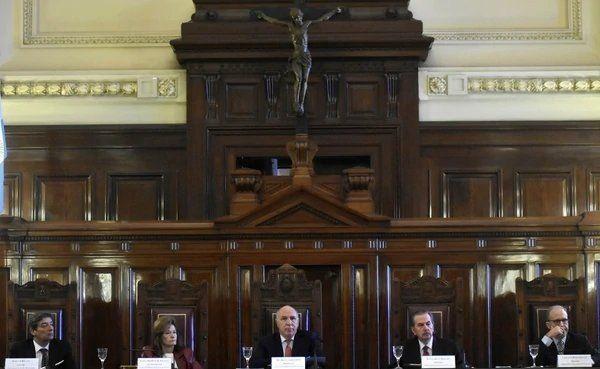 Cerca de 300 jueces comenzarán a pagar Ganancias y ya hubo reacciones contra el fallo de la Corte
