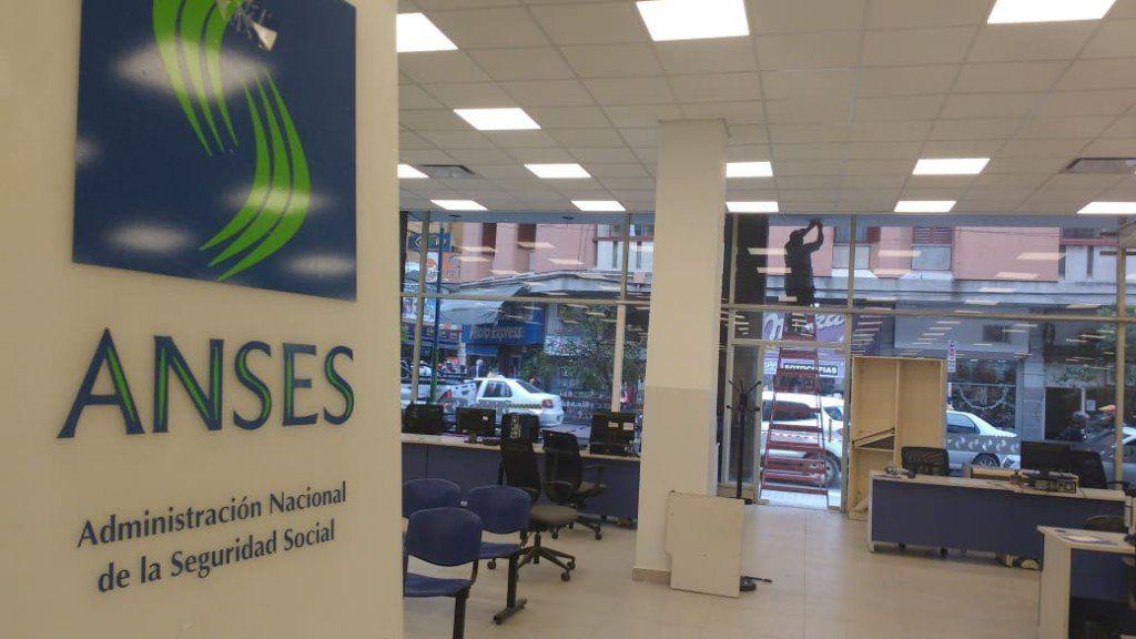 Reabren la sede central de la Anses, luego de tres meses
