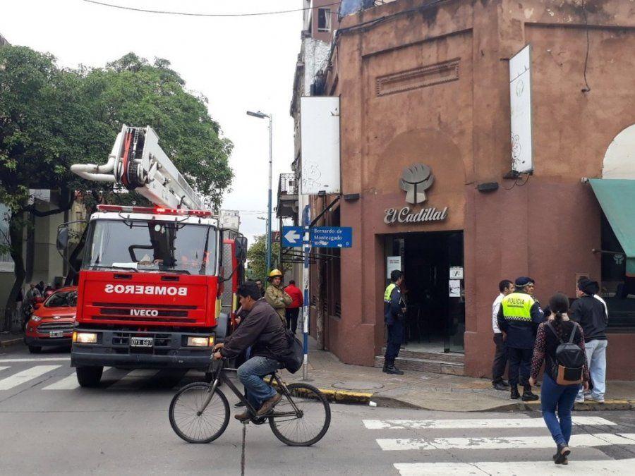 Incendio en un bar frente al Concejo Deliberante de la capital