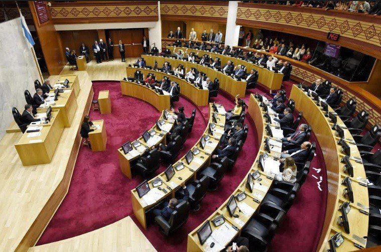 La Legislatura sesiona para tratar el Presupuesto 2019 y el aporte al transporte