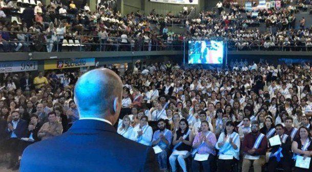 Más de 1500 adultos de la Provincia recibieron su diploma de egresados