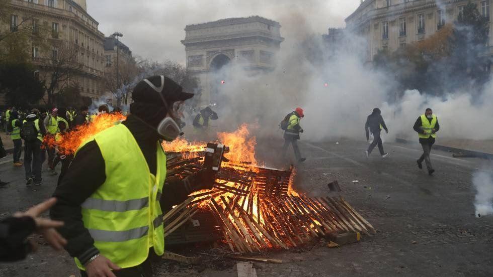 Con Macron en Argentina, las calles de Francia son protagonistas de otra jornada de incidentes