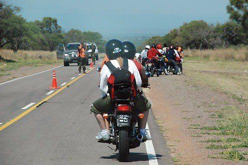 Recomiendan transitar con precaución por las rutas por las que se desplazan peregrinos hacia Catamarca