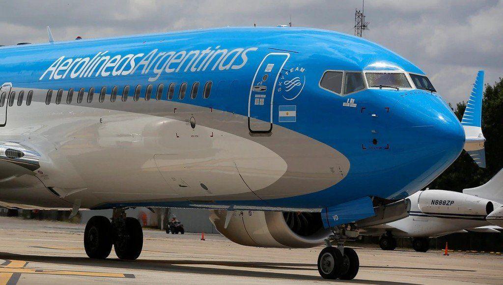Aerolíneas dejó en suspenso las sanciones y se reúne con gremios
