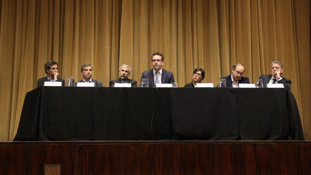 Informes privados que recibe el Banco Central revelan la sustentabilidad del plan monetario y fiscal