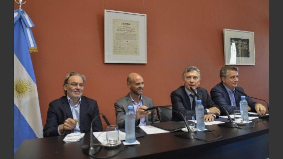 Industriales pidieron a Macri medidas urgentes anticrisis