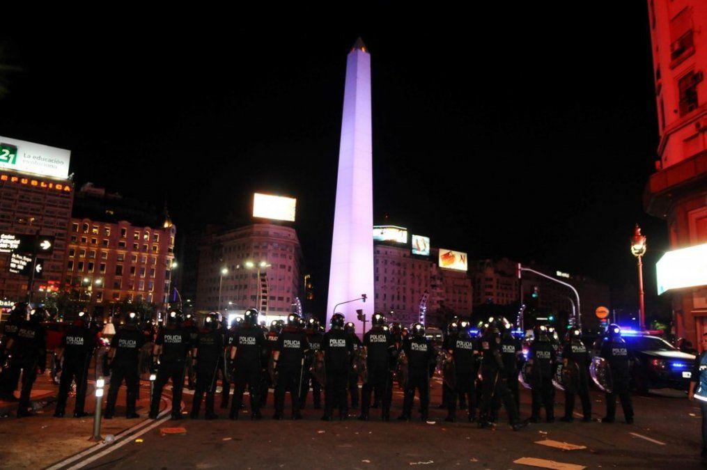 Los festejos de River en el Obelisco terminaron con incidentes