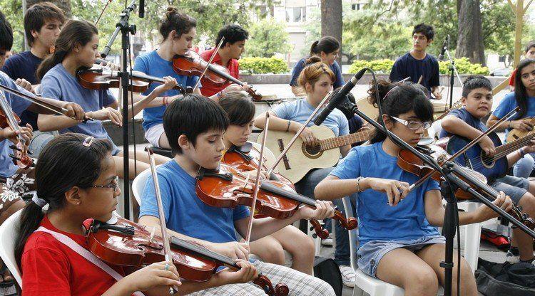 La Orquesta Chivo Valladares cierra el año con un show