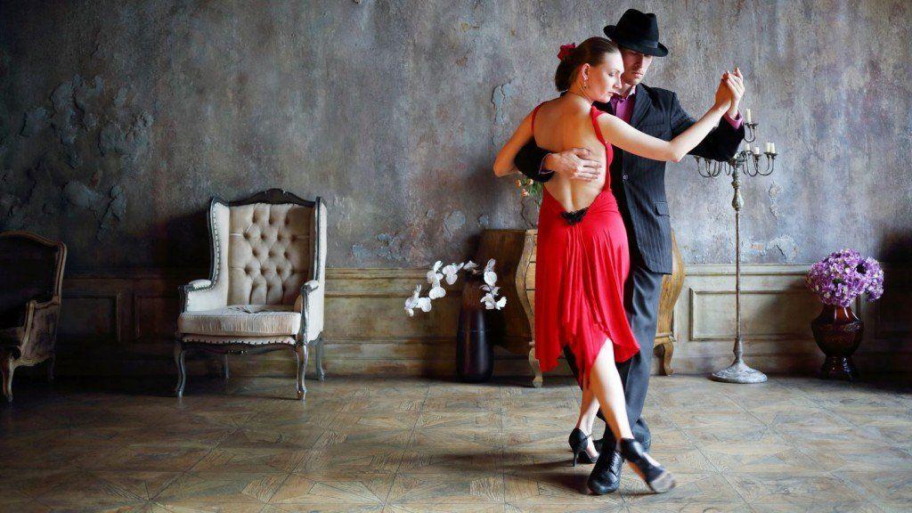 Seis beneficios de practicar Tango para la salud