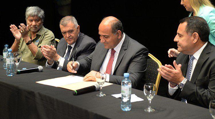 El Gobierno lanzó el Plan Interzafra provincial que beneficia a 9.000 trabajadores