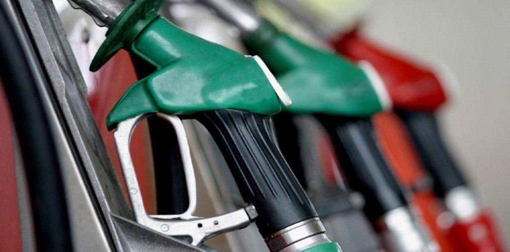 Los combustibles siguen a la baja: se esperan caídas en las ventas del 10% en diesel y de 7% en naftas