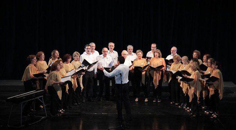 Adultos Mayores cantarán villancicos en el San Martín
