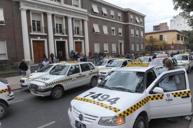 Piden elevar a juicio oral la causa por el accidente donde murieron militantes DDHH