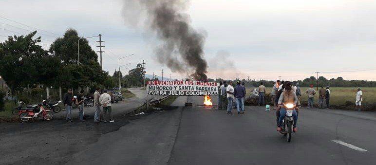 Obreros del ingenio Ñuñorco protestan con un corte en la ruta nacional 38