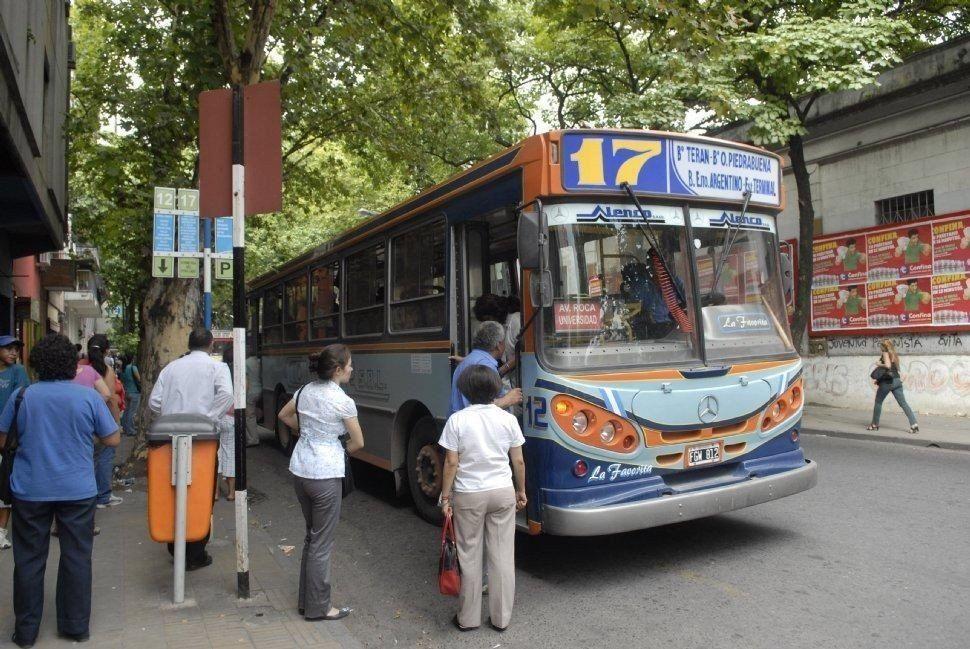 Se postergó hasta las 14 la reunión que definirá la situación del transporte de pasajeros