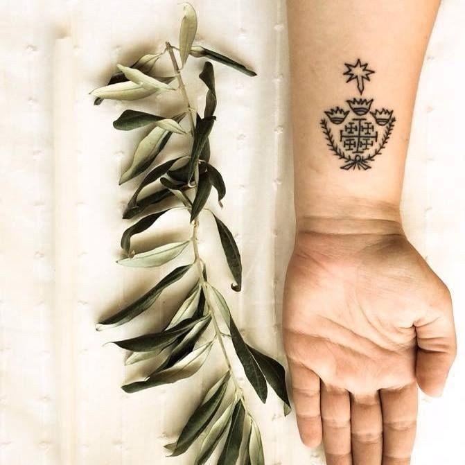 Una familia en Jerusalen lleva 700 años haciendo tatuajes religiosos