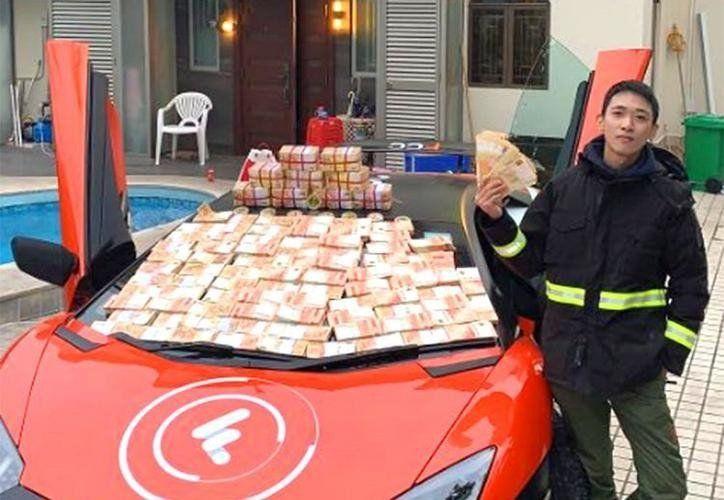 Un hombre intentó ser ´Robin Hood´repartiendo dinero pero terminó detenido