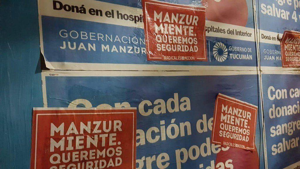 Personal de la Guardia Urbana interceptó a cuatro personas que pegaban carteles contra Manzur