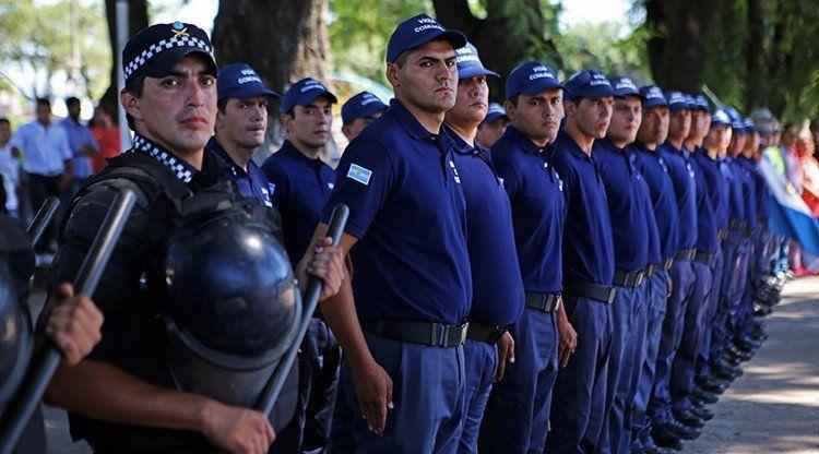 Intendentes deberán adherirse al plan que aprobó la Legislatura para tener sus propios policías