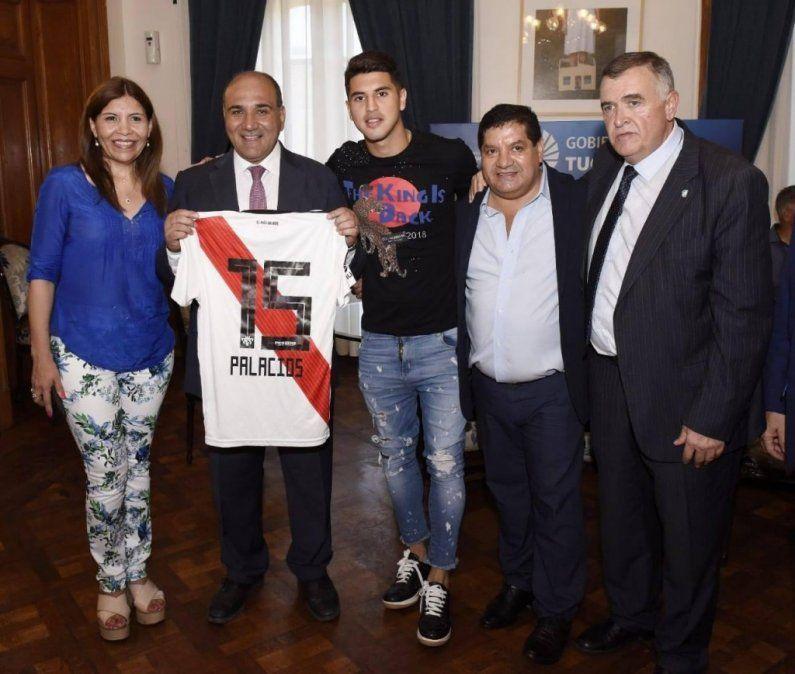 Exequiel Palacios fue reconocido por Manzur y Jaldo