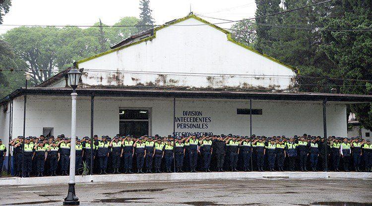 Ascenderán 1.300 agentes de la Policía de Tucumán