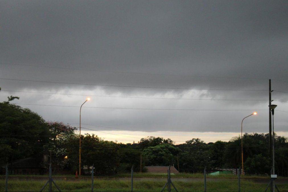 Anuncian fuertes tormentas para esta noche