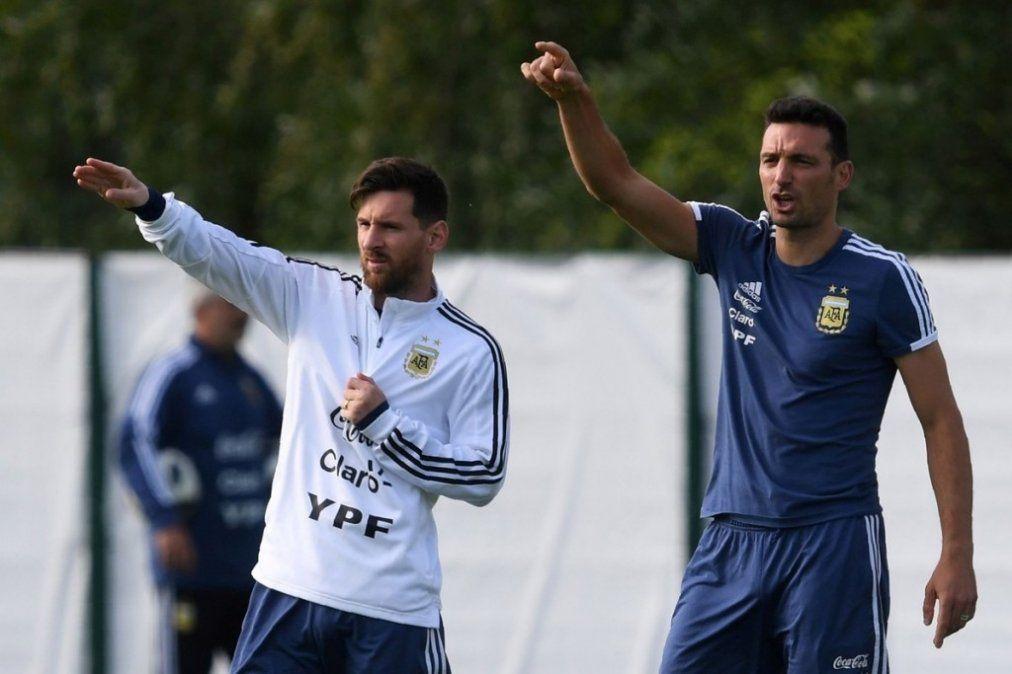 Scaloni: Tengo una charla pendiente con Messi