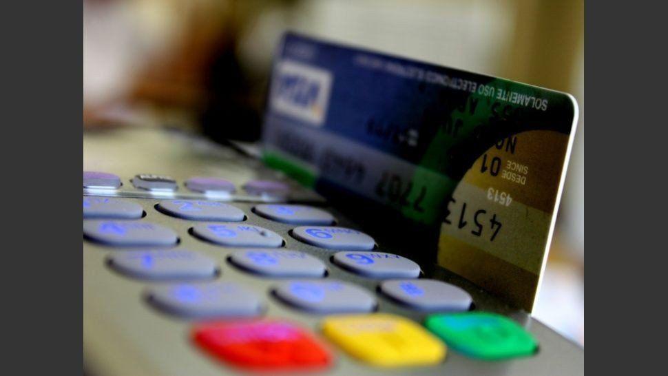 Crecieron las transacciones con tarjetas de crédito y débito